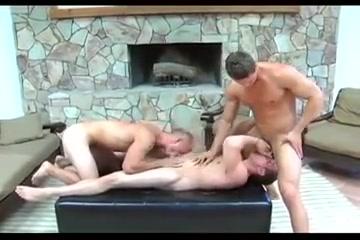 Hot Threesome Carolyn and john hookup divas christmas