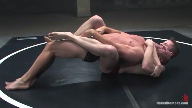 Patrick Rouge vs Wolf HudsonThe Oil Match Cosplay corner hentai