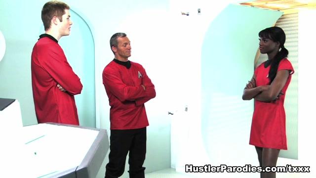 Ana Foxxx in This Aint Star Trek XXX #3 - HustlerParodies First date then in Wiesbaden