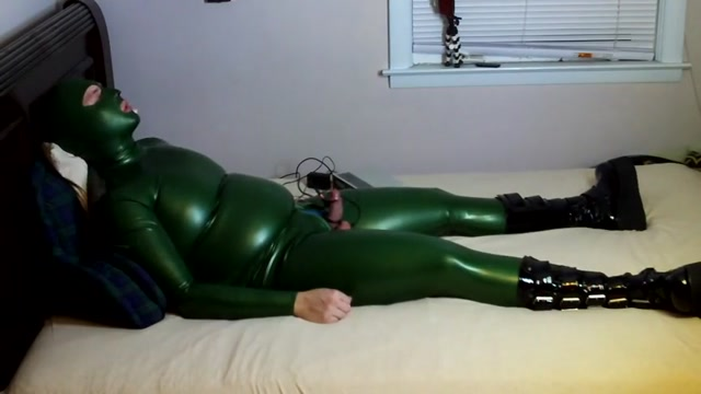 LATEX AND ESTIM HANDS FREE ORGASM Teen twat teased by excited mature lesbian