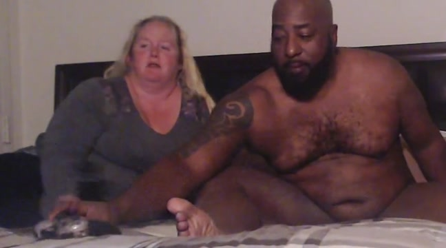Choc vanilla 2 Lesbians In A Hot Threeway Fuck Session
