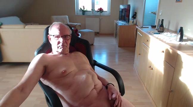 Video 133 Bruce dick bed batman