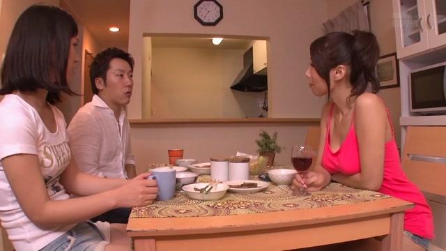Ayumi Shinoda in Step-Mom Loves Sexy Cum - MilfsInJapan beti ne baap ko pataya