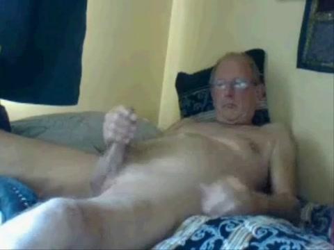 Kiwi wanker Nigger virgin gets fucked