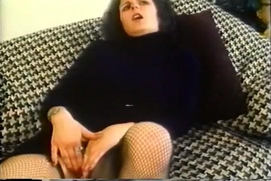 Busty Wife Sarah Toys With Huge Vibrator Euro Bukkake
