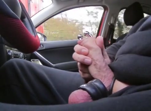 Flashing for truckers - nov. 2016 Slave girl fist fucked by her master