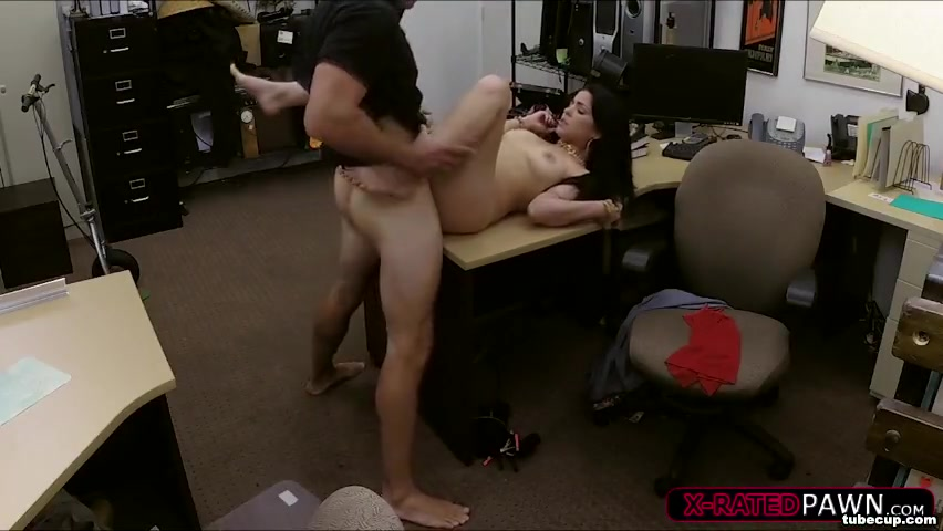 Slutty girl wants to pawn pussy for cash so owner fucks her hard and wild naked fucking mature mom