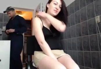 Riendose en la web cam Mom seduces son daughter jerk off