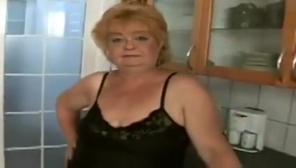 Granny Eva Ring routine pua