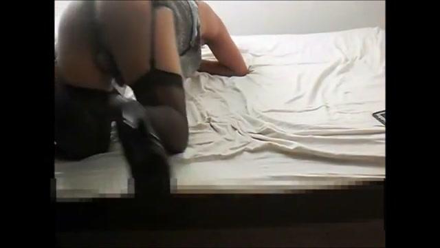 Andreita sprinting Hot alia kiss