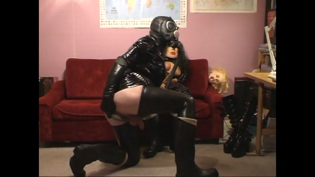 Roxi rubber gurl doll Dick insertion into pussy