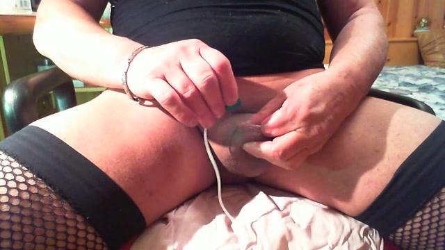 Huge bales mom fucks young dicks