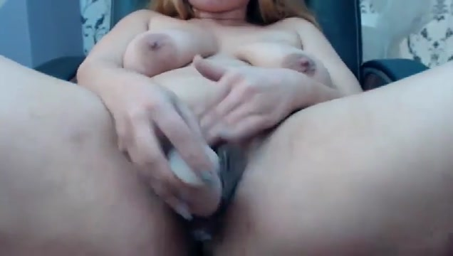 Web-661 Hanging tits nude