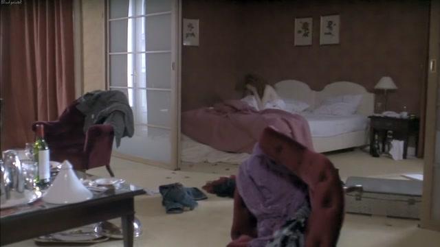 Suite noire S01E02 (2009) Julie-Marie Parmentier Looking for a white guy in Santiago del Estero