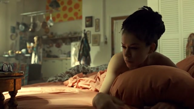 Orphan Black S03E06 (2015) Tatiana Maslany nude girls playing monopoly