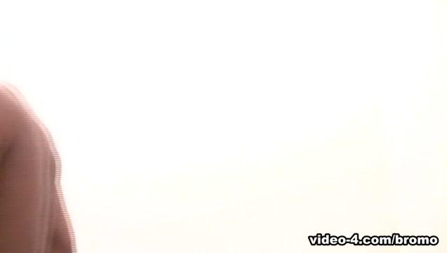 Julio Andrade & Martino Paiva in Black Topped Pizza Boy Scene 2 - Bromo porn video in tube