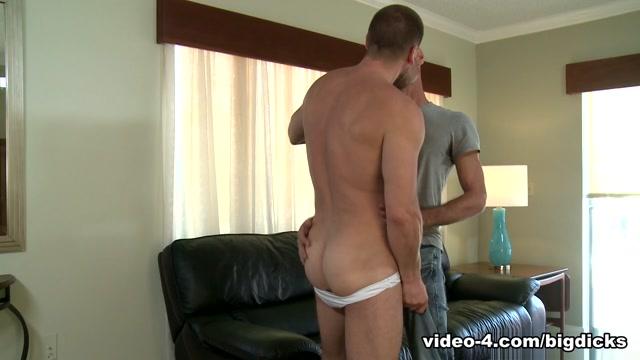 Brett Bradley & Hans Berlin in Gay Resort Hook-up Video - ExtraBigDicks Girls room voyeur