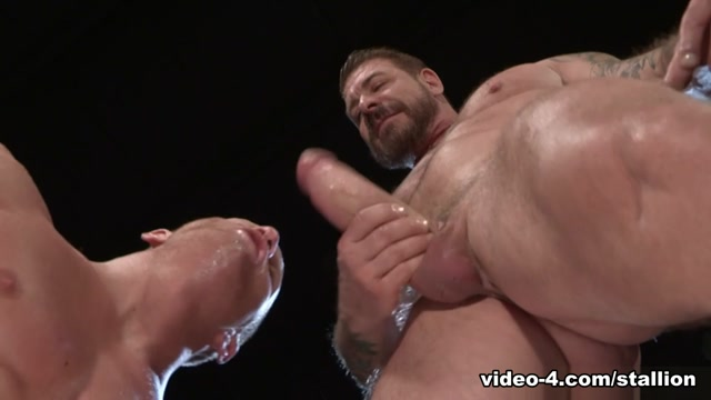 Johnny V & Rocco Steele in Backstage Pass 2, Scene #01 - RagingStallion Is there true love at first sight
