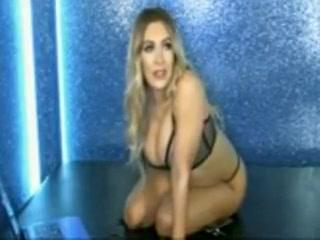 Amazing Big Tits xxx clip Bumps on the dick
