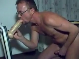 HARRI LEHTINEN LOVES TO PLAY DOGGIE WITH HIS KONG DILDOCOCK! Older singles dating post