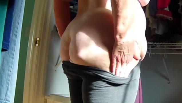 Big Butt Housewife s Fat Jiggly Ass Exposed 4 Finding women online