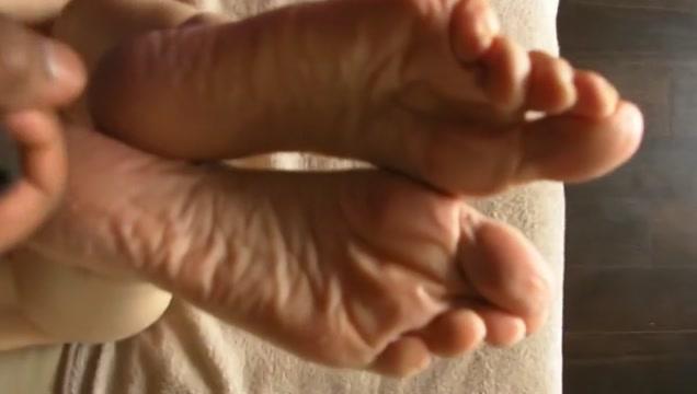 Sperm therapy after a foot scrub Puta ourense en Torrejon