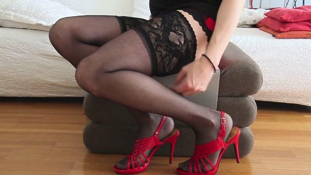 Black Dildo -Red High Heels- Black Stockings Preggo milf porn