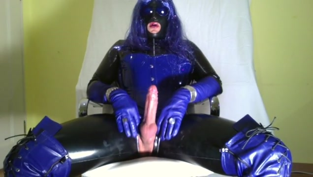 GLOVER - blue leather tranny secret cam gay sex