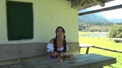 Fille allemande bavaroise niquee dans la montagne Ghana girls nude