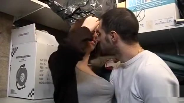Lola Vinci se fait bien baiser dans un garage How to tell if i am in love
