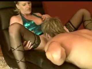 Amatrice allemande baisee par son nouveau compagnon devant la webcam Asian porn stars female