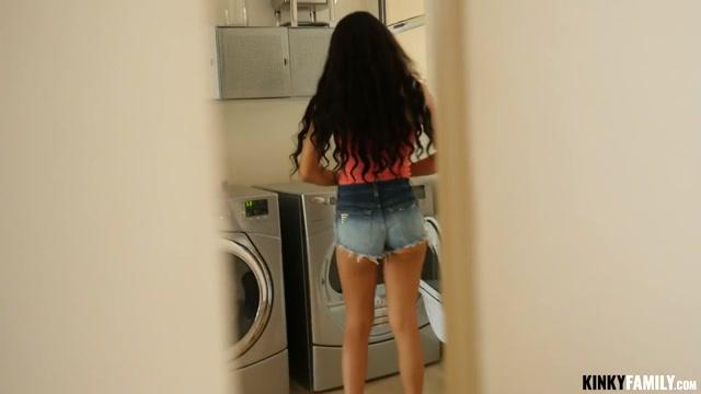 Kinky Family - Maya Bijou - Horny stepsis wants my dick fake hub videos reality public porn 1