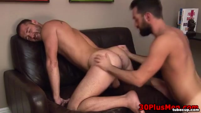 Sexy bear ass gets rimmed and penetrated Hot local women