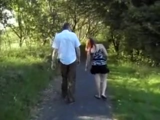 Une chti sexhibe dans un parc et suce la teube de son vieux Big bubble butt fucking girls