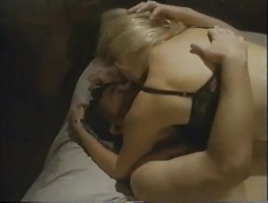 Jodie Fisher,Shannon Tweed in Dead By Dawn (1998) wife likes fucking other men
