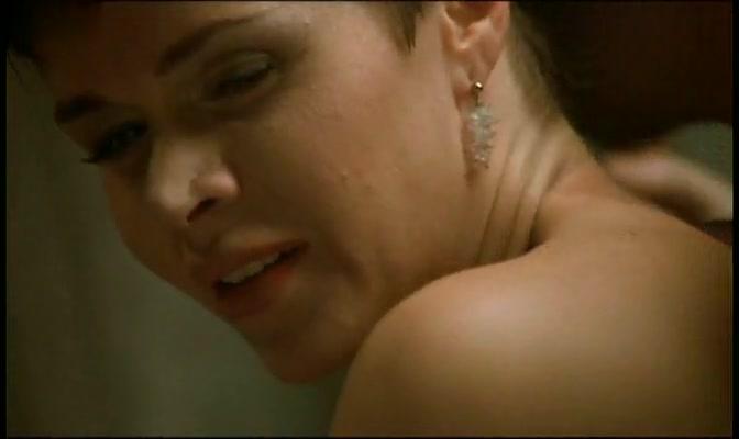 Elisabetta Cavallotti,Stefania Orsola Garello in Guardami (1999) Hot naked sorority hazing