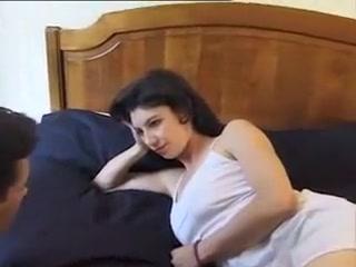 Un fils pervers baise le cul de sa maman Taurus Man And Scorpio Woman Sexually