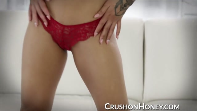Gorgeous Honey Gold masturbating with toy and fingers