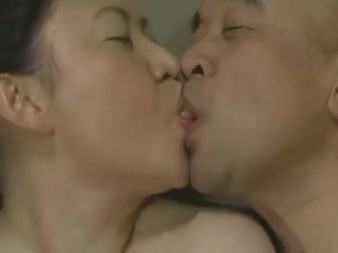 Japanese Tongue Kissing - Middle-Aged Couple Foreplay Sensual big boobs webcam dance