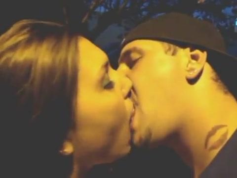 Cali Jock & GF in Extreme Tongue Kissing Audition Sex Teman Kantor