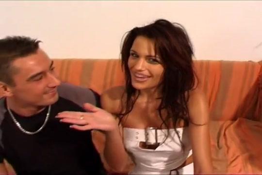 Nina Roberts la bombe francaise Big granny boobs porn