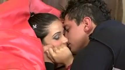 Un type baise sa jeune princesse bresilienne du carnaval Beth moore dvd