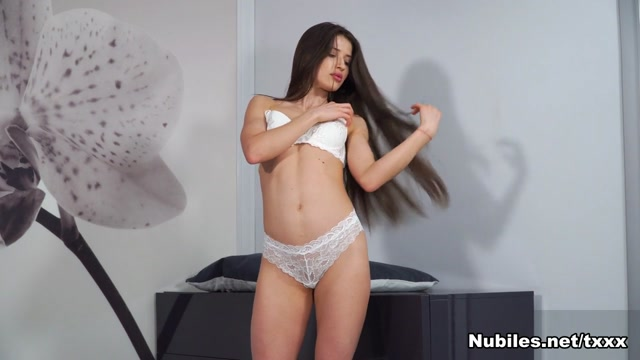 While You Watch - NUBILES Shannon kelly redhead