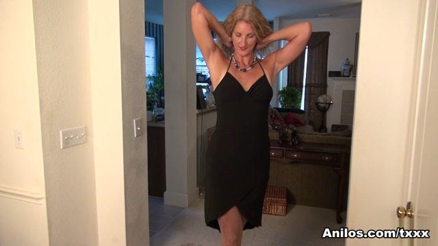 Zoe Marks in American Milf - Anilos Escort in Slave