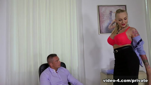 Milf Secretary Kayla Green Has Anal With Boss - Private Horny punk girl's intimate after party orgasm