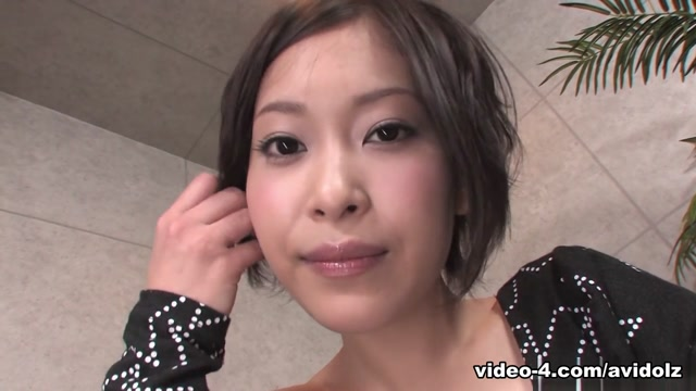Saki Otsuka Plays With Cum She Gets In Her Mouth - AviDolz British women for marriage