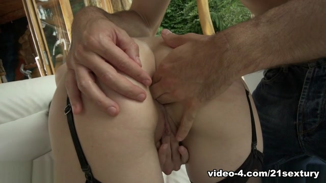 Linda Love in Ass Domination - 21Sextury