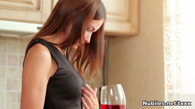 Quin in Skinny Babe - Nubiles