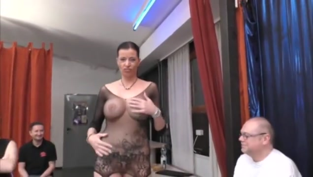 Dacada enjoy some nice gangbang Hot naked girl without arms and legs