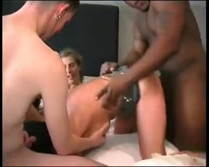 2 MIlfs group-fucked by younger lads